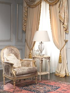 """Classic dining rooms in style Louis XV, Louis XVI, """"Maggiolini"""" and 800 French with carvings, inlaid and gildings, entirely made in Italy"""