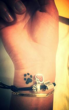 My dogs paw tatoo... LoVe I really want this on my foot!!