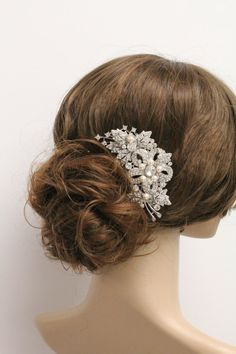 Vintage Inspired Pearls wedding hair combwedding by ChantalEveleen