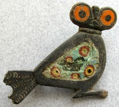 Does this enamel fibula found in a Roman iron age settlement on a Danish island depict an OWL? Or some other type of bird? Medieval Jewelry, Ancient Jewelry, Antique Jewelry, Byzantine Jewelry, Roman Britain, Roman Jewelry, Roman History, Roman Art, Minoan