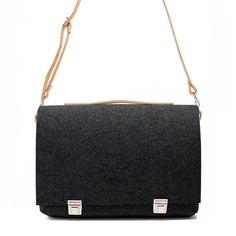 Felt messenger bag with leather belt / adjustable belt / por popeq