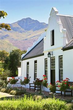 Oak Cottage - Oak Cottage offers accomplished, self-catering accommodation for a couple who like the peaceful atmosphere and ambience of a Cape Dutch-style estate.  The cottage has a beautifully furnished interior with ... #weekendgetaways #franschhoek #southafrica