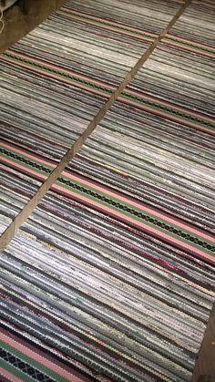 HIRSIAITAN KESÄKUOSI 2 kpl 80 x 4.80 Woven Rug, Woven Fabric, Waterproof Fabric, Home Look, Ottomans, Rug Making, Scandinavian Style, Pattern Design, Bohemian Rug