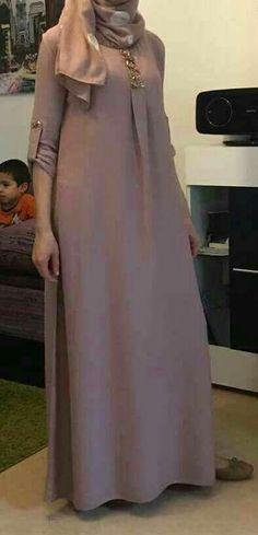 Modern Hijab Fashion, Arab Fashion, Muslim Fashion, Modest Fashion, Fashion Outfits, Beautiful Gown Designs, Stylish Dress Designs, Hijab Style Dress, Hijab Outfit