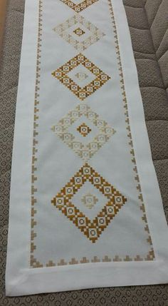 This Pin was discovered by şen Hardanger Embroidery, Folk Embroidery, Embroidery Patterns Free, Cross Stitch Embroidery, Embroidery Designs, Cross Stitch Borders, Cross Stitch Flowers, Cross Stitch Patterns, Palacio Bargello
