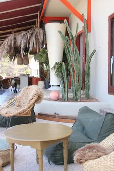 Garden Room, Ibiza Party, Interior, Hotel, Home Decor, Table Decorations, Hospital Interior, Dining Chairs, Lounge