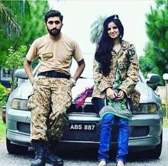 Military Couples, Military Women, Army Men, Pak Army Quotes, Army Photography, Air Force Uniforms, Pak Army Soldiers, Army Pics, Pakistan Armed Forces