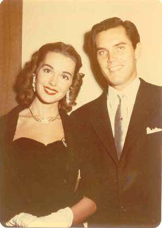 Barbara Rush with husband Jeffrey Hunter circa 1953 Hollywood Cinema, Hooray For Hollywood, Golden Age Of Hollywood, Hollywood Stars, Classic Hollywood, Old Hollywood, Old Movie Stars, Classic Movie Stars, Classic Movies