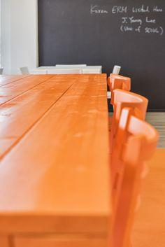 Kitchen Office ERM Dordrecht, Netherlands by WIES | bureau voor ruimtelijk ontwerp #office #interiordesign #blackboard #unicolor
