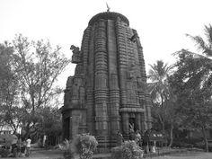 Little known Nagesvara temple in Bhubaneswar  #IndianColumbus  http://indiancolumbus.blogspot.com/2015/12/nagesvara.html