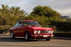 The quintessential Alfa Romeo Alfa Romeo Gtv 2000, Griffin Family, Alfa Alfa, Alfa Romeo Giulia, Best Muscle Cars, Classic Chevrolet, Best Classic Cars, Around The Worlds, Fiat