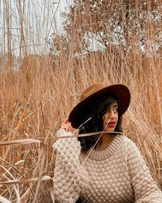 The Jasper sweater is from the Cosy collection by Wool and the Gang. This cosy jumper is knitted using Super Trouper wool and pictured here is the sweater in Beige Blonde. This intermediate stitch is Bubble stitch. Knitting Kits, Easy Knitting, Knitting Patterns, Beige Blonde, Blonde Color, Country Landscaping, Holiday Sweater, Duck Egg Blue, Stitch Kit