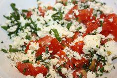 Caprese Salad, Feta, Food And Drink, Cheese, Recipes, Ripped Recipes, Cooking Recipes, Insalata Caprese