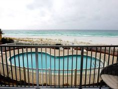 Windlancer Apartment Destin (Florida) Set 8 km from Emerald Coast Centre in Destin, this apartment features an outdoor pool. The unit is 9 km from Beaches of South Walton. Free WiFi is featured throughout the property.