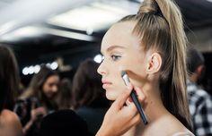 Te damos todos los detalles sobre esta técnica de maquillaje que probablemente ya forme parte de tu rutina de belleza diaria.
