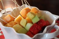 For today's #breakfast try a bowl of cantaloupe melon and pineapple. The melon gives you fibre and the pineapple will improve your digestion throughout the day.  #weightloss #loseweight #diet #behealthy #lifestyle www.weightlossrevolutions.co.uk