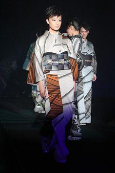 JOTARO SAITO 2012-13 (click image for many more kimono photos)