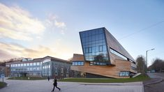 Daniel Libeskind completes larch-clad cosmology centre for Durham University