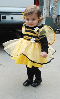 """Cute little """"bee"""" Baby Halloween, Halloween Costumes, Cute Kids, Cute Babies, Reborn Toddler Dolls, Cute Bee, Future Clothes, My Baby Girl, Portraits"""