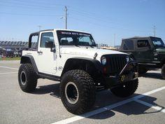 jeep wrangler JK - White 2 Door