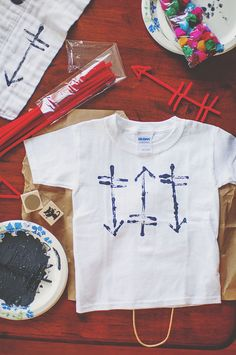 DIY Arrow Shirt (for kids + adults alike) -- perfect for Valentine's Day.