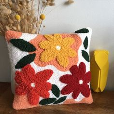 Needle Cushion, Punch Needle Patterns, Handmade Cushions, Punch Art, Embroidery Art, Weaving, Throw Pillows, Crafty, Fabric Crafts