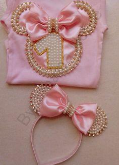 Kit Minnie Rosa  Contém no Kit: 1 body  1 saia tutu  1 arquinho  1 calcinha  Obs: Favor antes de comprar informar o tamanho desejado!