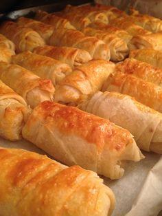 Bloğumdaki diğer patatesli böreğe benzer bir tarif. Bu defa üzerine haşhaş kullanmadan pişirdim. Afiyet olsun… Tarifi Göster