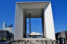 La Grande Arche de la Défense (height 110m), 1985-89, Paris /  Johann Otto von Spreckelsen, Paul Andreu, Peter Rice