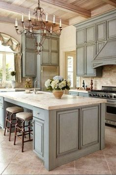 Love those pale blue cabinets! Why does Pinterest have to show me these things. Ugh now I want to start all over on my ideas and all the stuff I've purchased :/