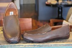 The Akepa Moc from #OluKai is made from Premium full-grain chocolate leather, with subtle styling details, the Akepa Moc is ideal for an afternoon on the #lanai or an evening on the town.  $149.95