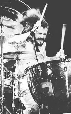 John Bonham, Drummer for Led Zeppelin. Definitely The Best Drummer There Has Ever Been. John Bonham, Robert Plant, John Paul Jones, Great Bands, Cool Bands, Rock N Roll, Rock Music, Music Love, Trommler