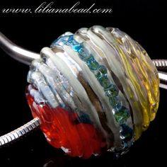 outrageously beautiful hollow bead -Liliana Cirstea Glenn. #lampwork #glass #beads