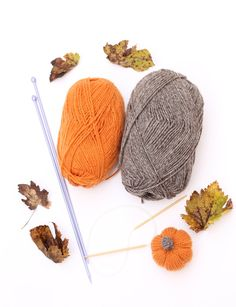 Free mini pumpkin knitting pattern. Free knitting patterns by handylittleme. Make a mini pumpkin for Autumn with orange and brown yarns. Great for Thanksgiving or Halloween.