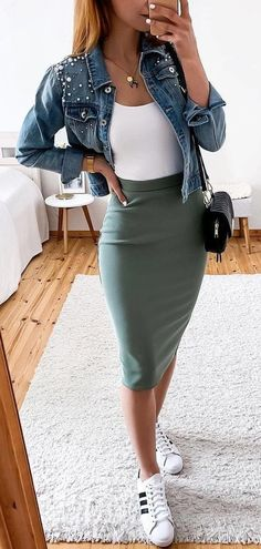 green mini skirt - outfits , green mini skirt Source by outfits_hunter., , 45 Fantastic Spring Outfits You Should Definitely Buy / 020 Spring Skirts, Spring Outfits, Spring Dresses, Spring Wear, Autumn Outfits, Holiday Outfits, Green Mini Skirt, Gray Skirt, Cute Casual Outfits