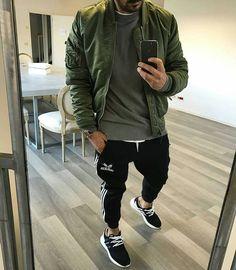 8 Tenacious Tips: Urban Wear Socks urban fashion casual grey.Urban Fashion For Men Boots. Urban Outfits, Mode Outfits, Fashion Outfits, Fashion Ideas, Fashion Guide, Urban Dresses, Fashion Hats, Fashion Shoot, Fashion Design