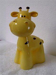 Giraffe piggy bank! I want!!