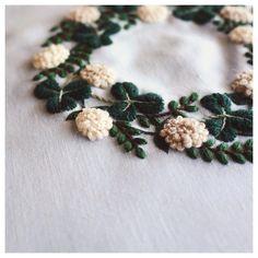 "3,827 Likes, 22 Comments - YUMIKO HIGUCHI (@yumikohiguchi) on Instagram: "". ☘ wreath シロツメクサの花輪 . . . #embroidery #handembroidery #embroider #embroidered #handmade…"""