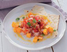 Pesce spada con verdure, frutta e pane croccante  ricetta