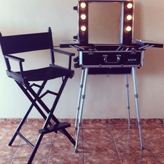 Makeup Chairs For Professional Artists Brown Moon Chair 22 Best Make Up Images Artistic Artist Directors Nyx