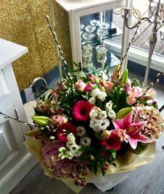 Floral Wreath, Wreaths, Beautiful, Home Decor, Floral Crown, Decoration Home, Door Wreaths, Room Decor, Deco Mesh Wreaths