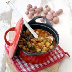 Goulash met Cherry Potatoes