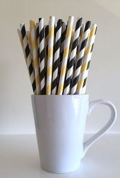 """Ready to ship within one business day! This listing is for sturdy, vibrantly colored paper straws. To select a quantity please use the drop-down menu called Number of Straws. This can be found just below the price on this listing page.  Many straws produced overseas do not meet FDA requirements, making them unsafe for use in beverages. Straws from PuppyCat Crafts are:  • Made in the USA • FDA approved • Biodegradable  Straws are 7.75"""" in length, and are perfect for:  • Birthday parties •…"""