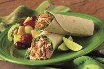 Tuna Salsa Wraps, would be great with fresh grilled Tuna steaks, not to mention it would cut down on the sodium. Wrap Recipes, Low Carb Recipes, Healthy Recipes, Diabetic Recipes, Healthy Sandwiches, Wrap Sandwiches, Sandwich Recipes, Yummy Snacks, Yummy Food