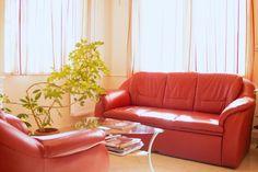 wartezimmer - Hegel Dent Zahnklinik - Ungarn Sofa, Couch, Furniture, Home Decor, Waiting Rooms, Hungary, Environment, Settee, Settee