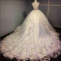 dress and wedding image Classy Wedding Dress, Pretty Wedding Dresses, Affordable Wedding Dresses, Wedding Dress Styles, Pretty Dresses, Bridal Dresses, Beautiful Dresses, Wedding Gowns, Muslimah Wedding Dress