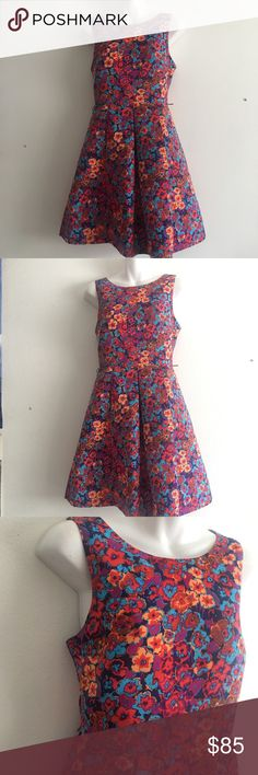 Plenty Dresses by Tracy Reese Colorful Floral In excellent condition! Size 6. Colorful pansy tent dress. Loop holes in place for a cute belt accessory (not included) Plenty by Tracy Reese Dresses