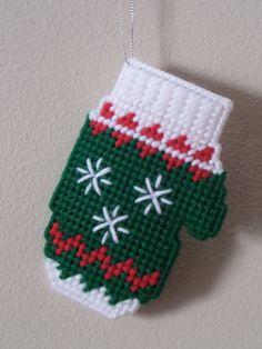 Plastic Canvas Christmas Ornaments.Pinterest