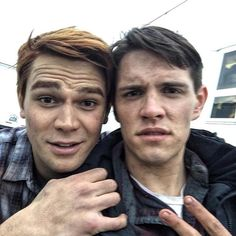 Episode synopsis for #Riverdale #ChapterEight: #TheOutsiders THE BEST LAID PLANS - As Fred and his crew are about to start construction he loses his crew, which could put his livelihood in jeopardy. Wanting to help his dad, Archie and his friends pitch in to help but after one of them is attacked, the gang comes up with a plan that lands them in Southside Serpent territory. With Jughead's secret revealed, he is worried about how his friends will react. Meanwhile, Veronica and Betty suggest…