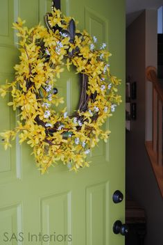 Show the First Signs of Spring with a Forsythia Wreath. Takes only minutes to make! Front Door Decor, Wreaths For Front Door, Door Wreaths, Front Porch, Forsythia Wreath, Grapevine Wreath, Wreath Crafts, Diy Wreath, Wreath Ideas